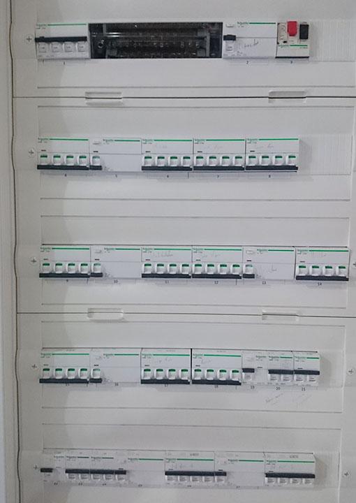 instalacion-cuadro-electrico-en-proyecto-de-obras-para-fabricación-distribucion-cerveza