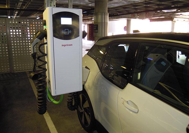 estacion-trifasica-para-coches-electricos