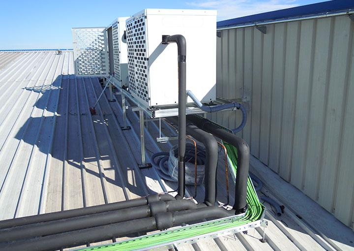 instalacion-exterior-cuadros-y-ventilacion-nave-frigorifica