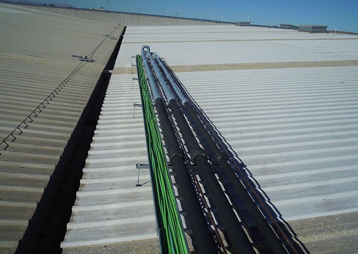 instalacion-industrial-cableado-techo-nave-frigorifica