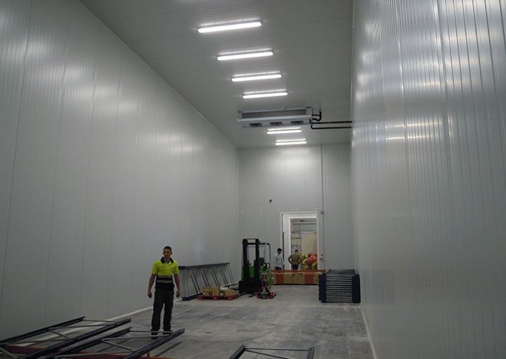 instalacion-interior-nave-industrial-camara-frigorifica